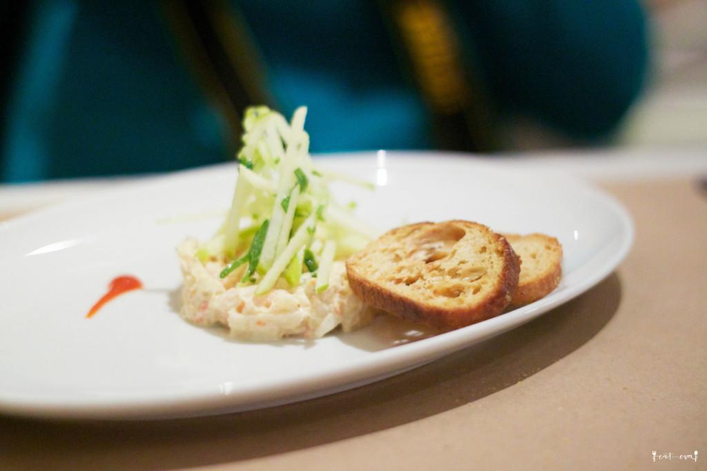 MKT Restaurant snow crab